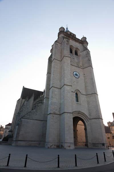 Notre Dame Dole extérieur